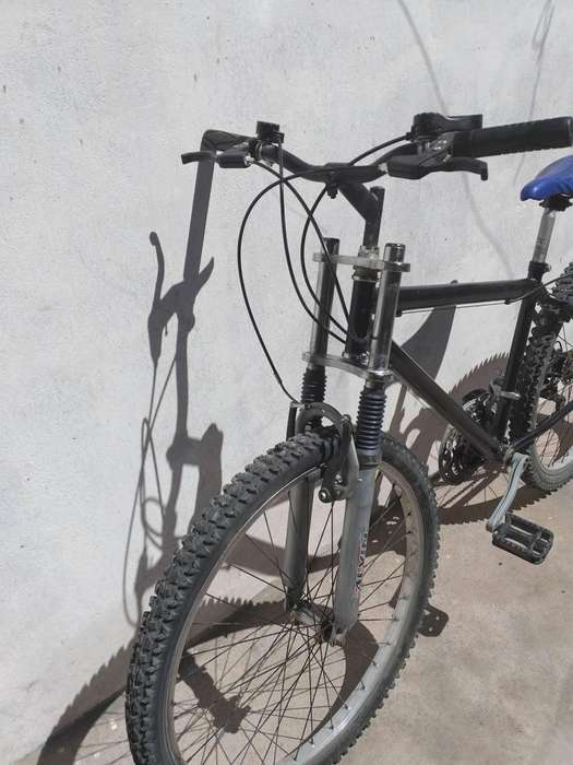 Se oferta Bicicleta aro 26 con Amortiguador