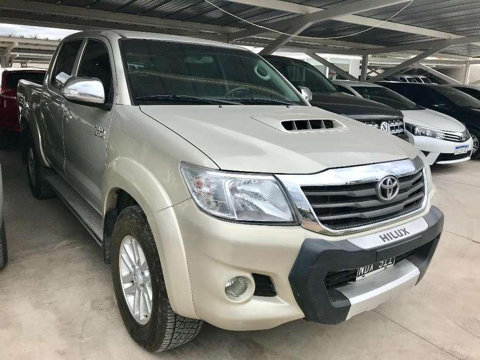 Toyota Hilux 2013 - 297325 km