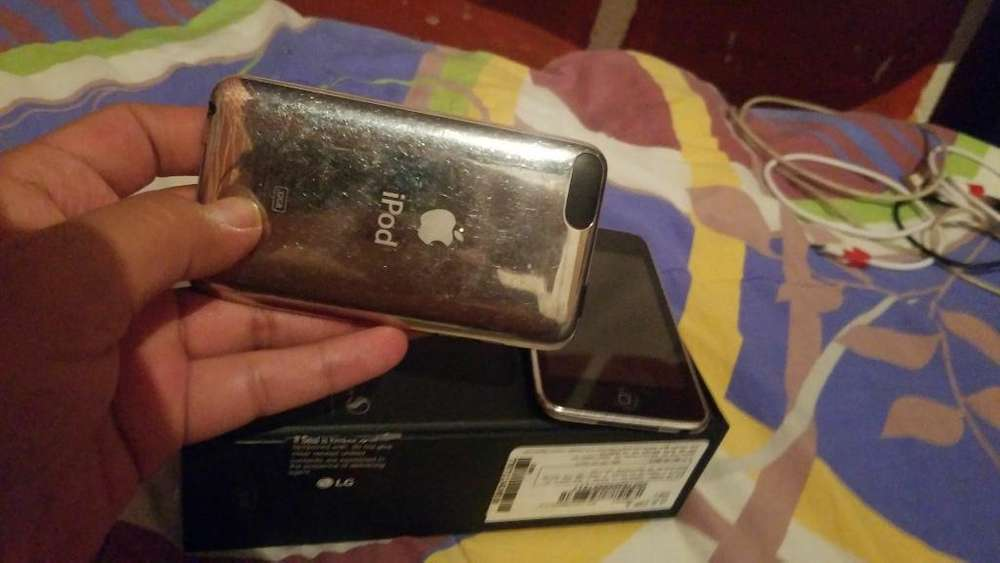 iPod de 3generacion Usado de 8 Y 32gg