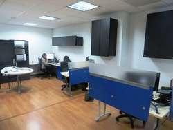 Amplia oficina ubicada en edificio inteligente, propiedad horizontal 49327