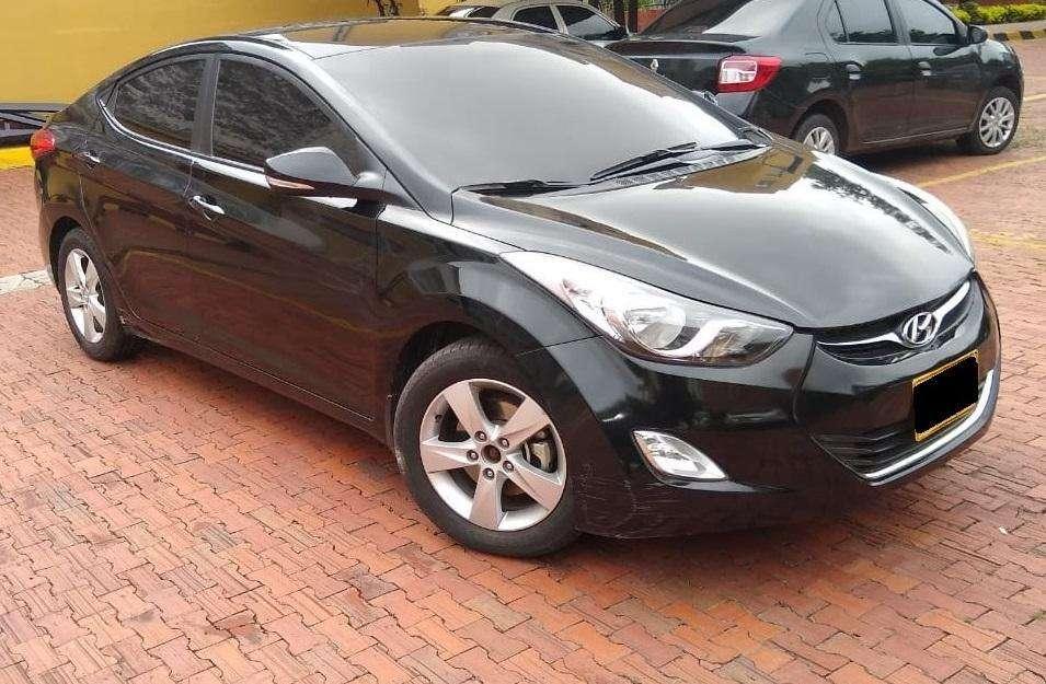 Hyundai Elantra 2013 - 74000 km
