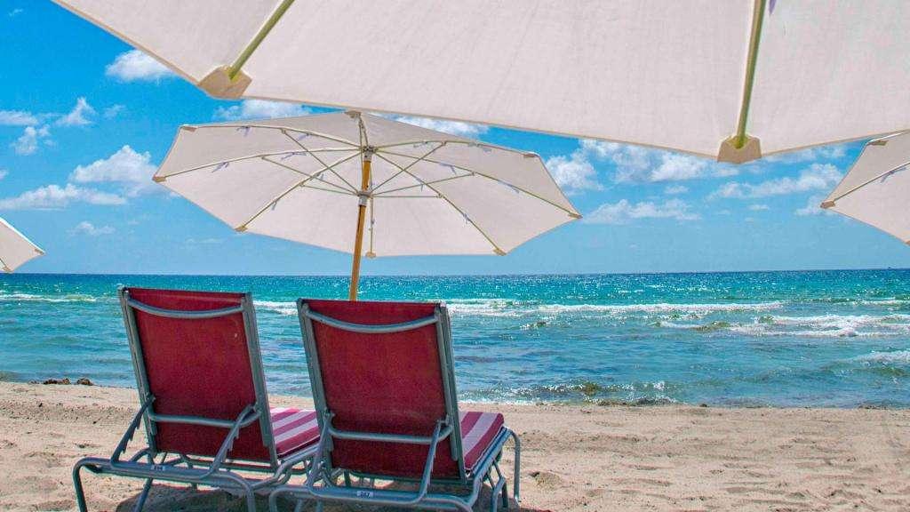 Alquiler Temporario. Resort C/ Playa. En Hallandale, Miami