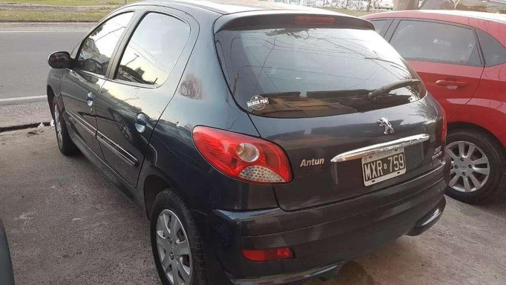 Peugeot 207 Compact 2013 - 80000 km