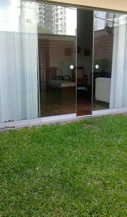 LINDO FLAT EN PRIMER PISO CON TERRAZA Y AMPLIO JARDIN INTERNO_KX1351