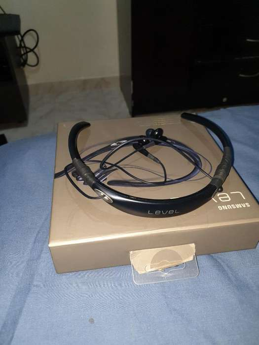 Vendo Auriculares Samsung Level U Pro