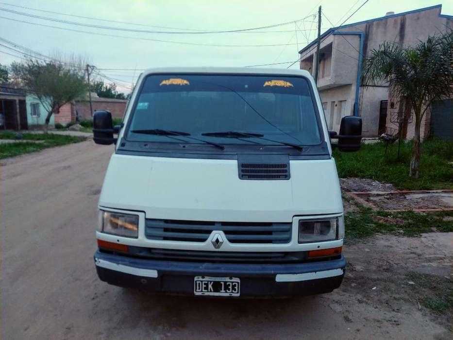 Vendo Renault Rodeo Mod.2000