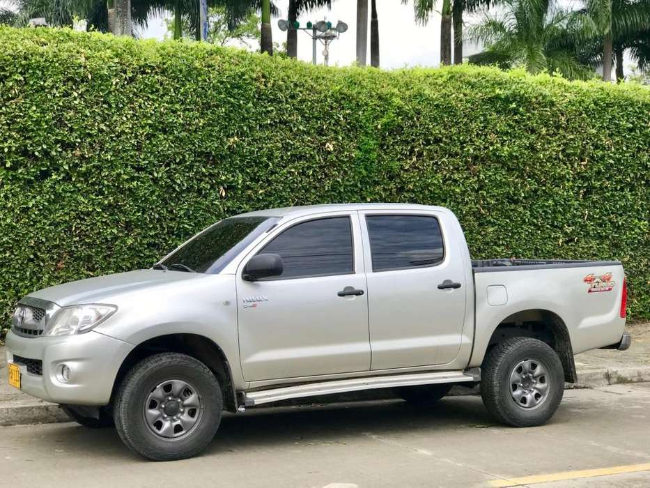 Toyota Hilux 2010 - 234000 km
