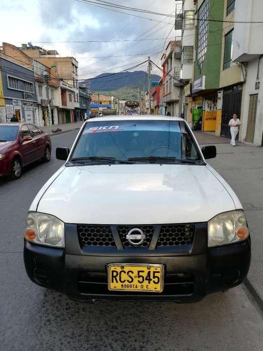 Nissan Frontier 2011 - 145000 km