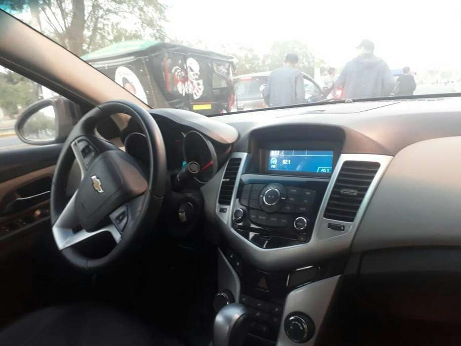 Chevrolet Cruze 2012 - 15000 km