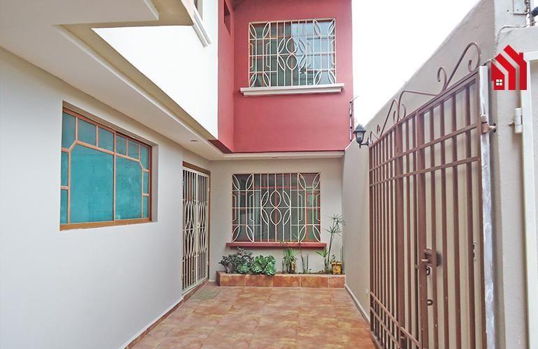 """P1197  Hermosa casa a la Venta Dentro de Condominio  Sector """"El Tiempo"""" 105.000."""