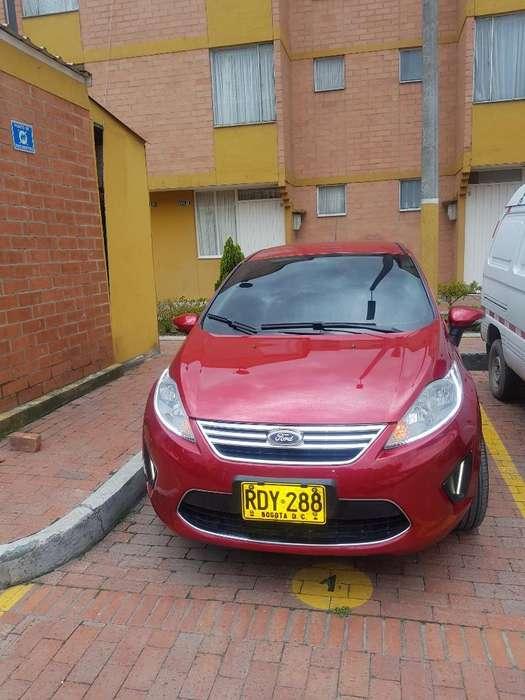 Ford Fiesta  2011 - 74100 km