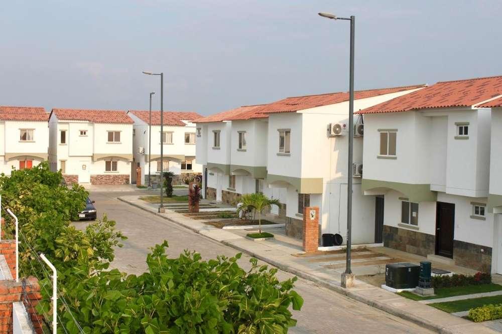 Casas de venta en Urb. L'OGARE, con financiamiento a 18 meses.