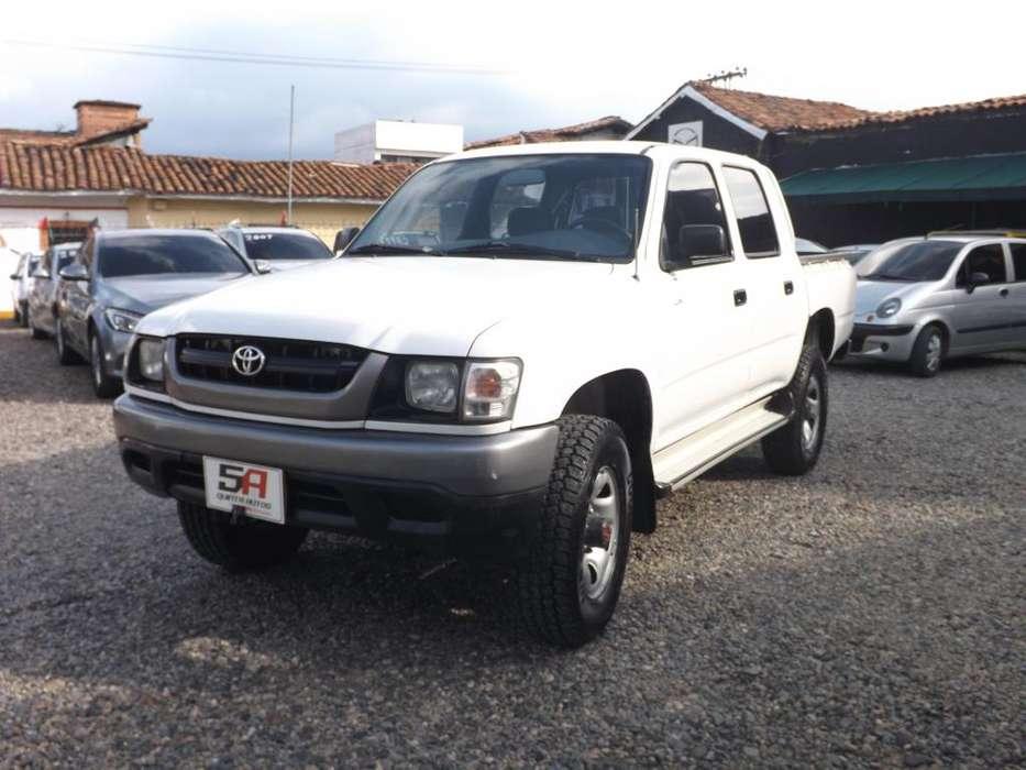 Toyota Hilux 2005 - 282000 km