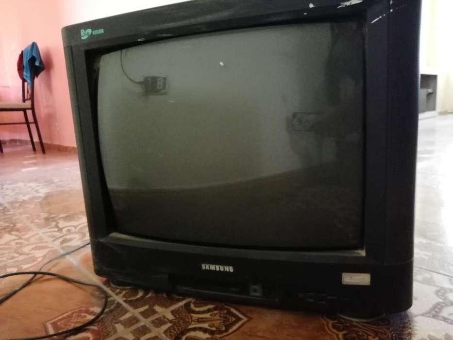 Televisor Samsung -remato en Buen Estado
