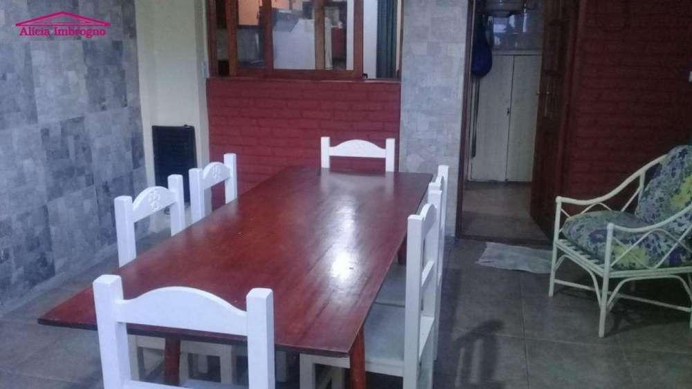 Casa en Alquiler Temporario Zona III de Miramar. Estado Muy Bueno. 2 Habitaciones. 2 Baños.
