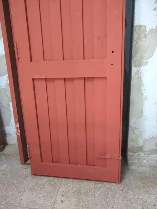 Puerta Nueva con Marco Y <strong>cerradura</strong>