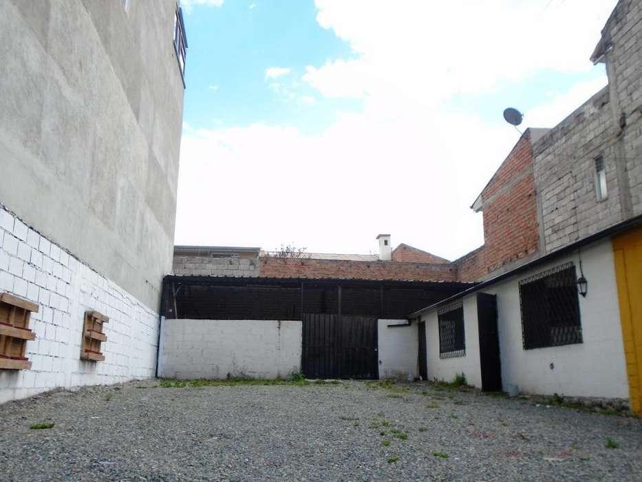De Oportunidad Vendo Terreno Comercial de 253 m² en la Av. 12 de Abril