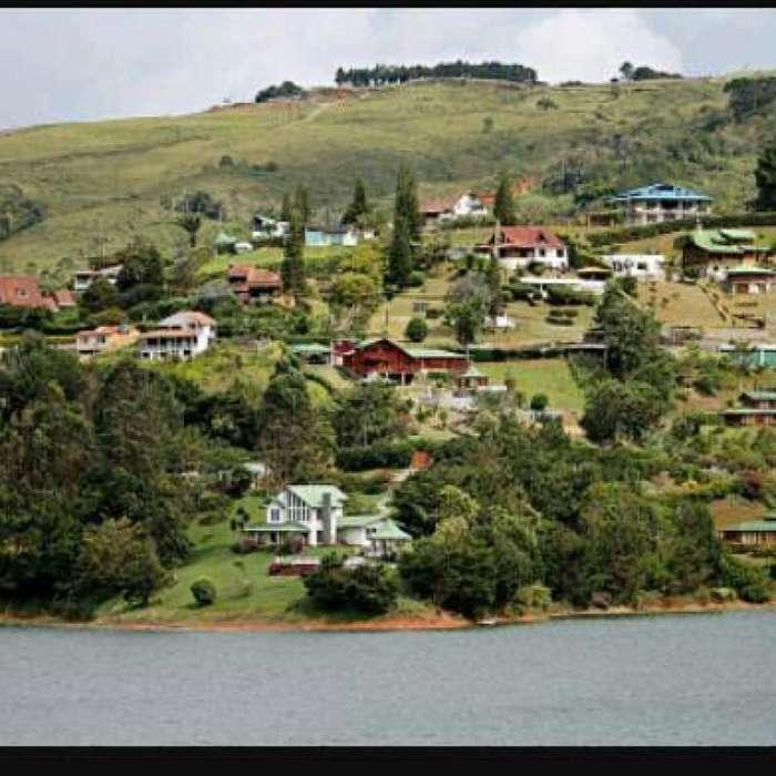 Casa Campestre En Venta En Restrepo Parcelacion El Lago Cod. VBKWC-10402974
