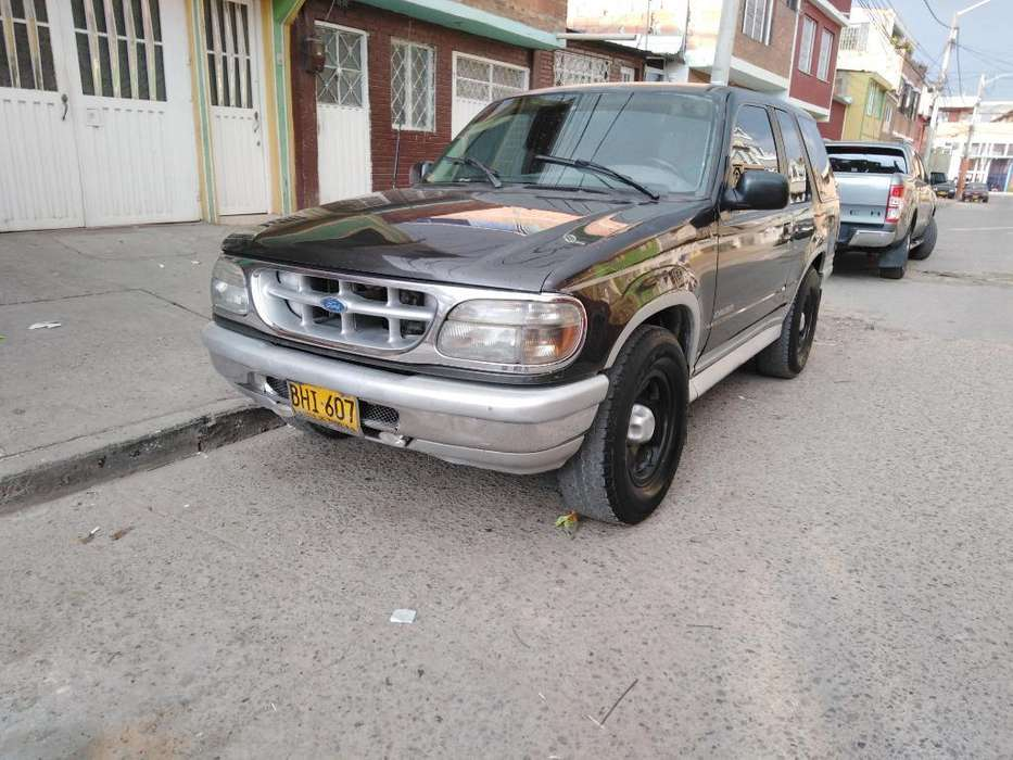 Ford Explorer 1996 - 0 km