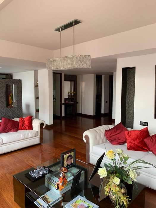 Espectacular apartamento de 300 Mt2 3 habitaciones Excelentes zonas comunes