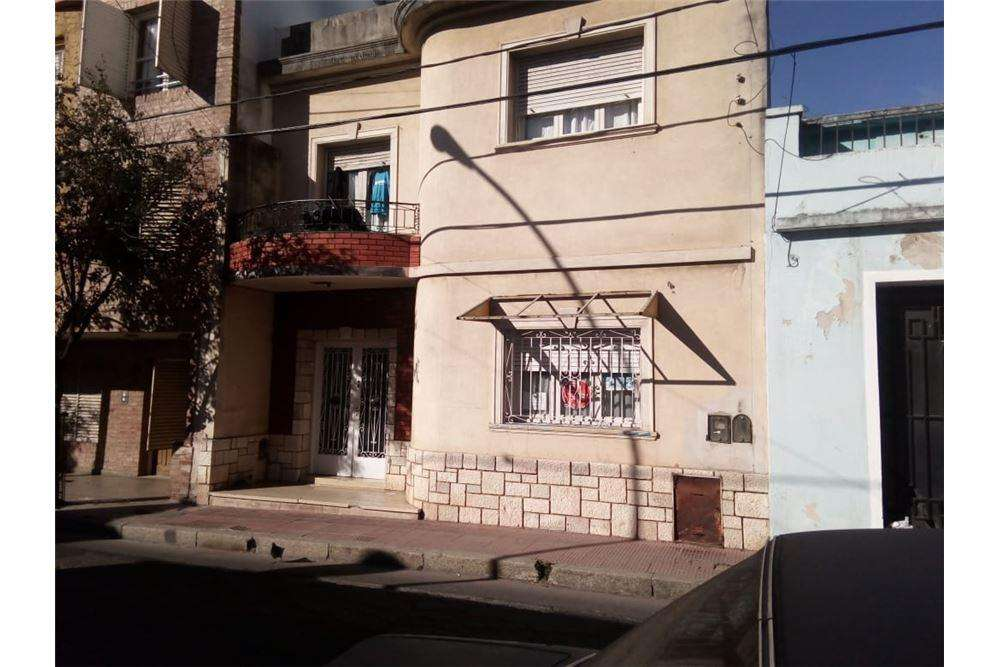 VENTA CASA VALOR TERRENO 1 cuadra Avenida Colon