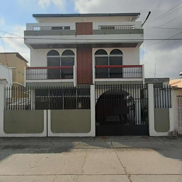 Alquiler de Casa en Alborada