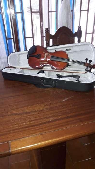 Vendo Violin Accord Avi - 4420