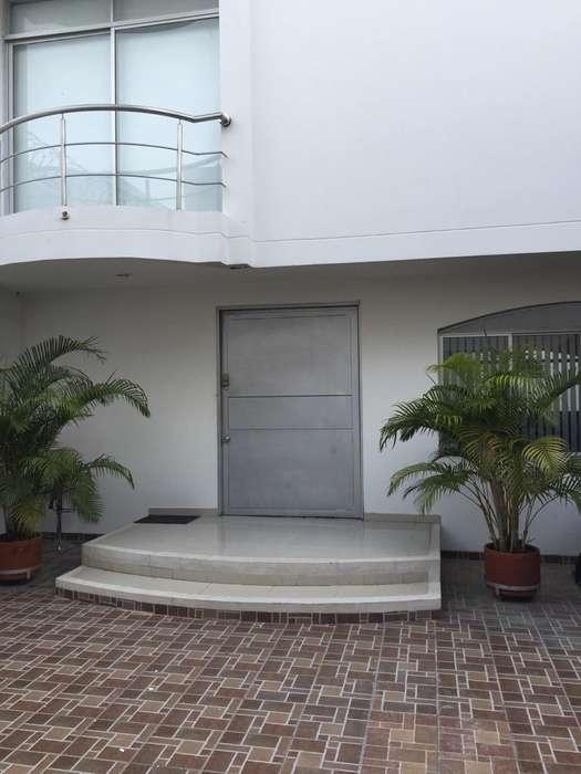 Se Arrienda hermosa casa en el Novalito Valledupar con servicios incluidos.