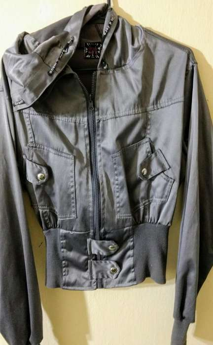Campera de <strong>mujer</strong>, talle 5
