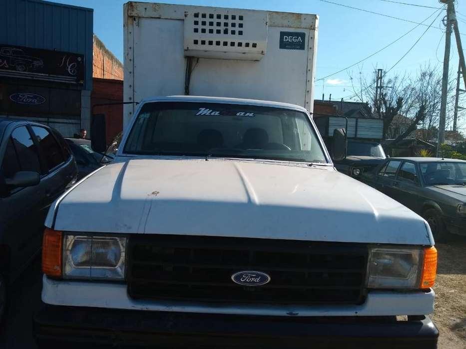 Ford 350 con Equipo de Frio