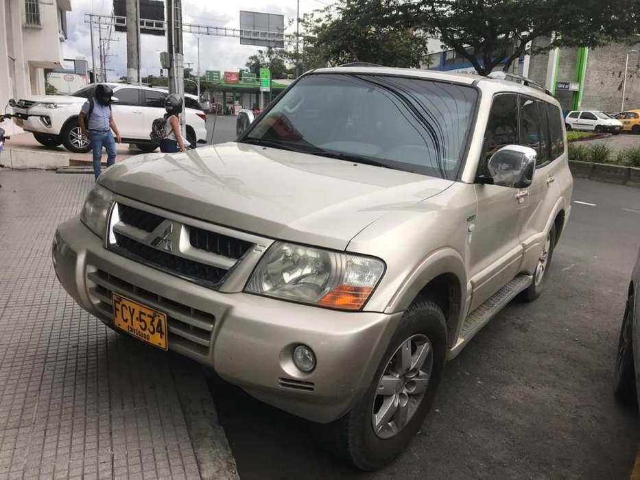 Mitsubishi Montero 2007 - 174000 km