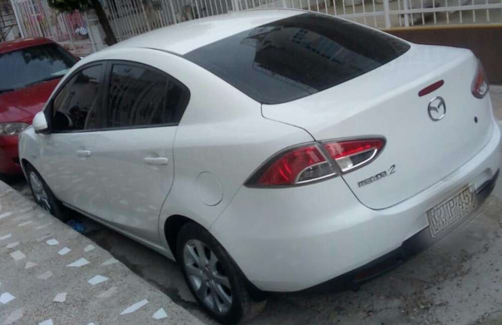 Mazda 2 2010 - 98000 km