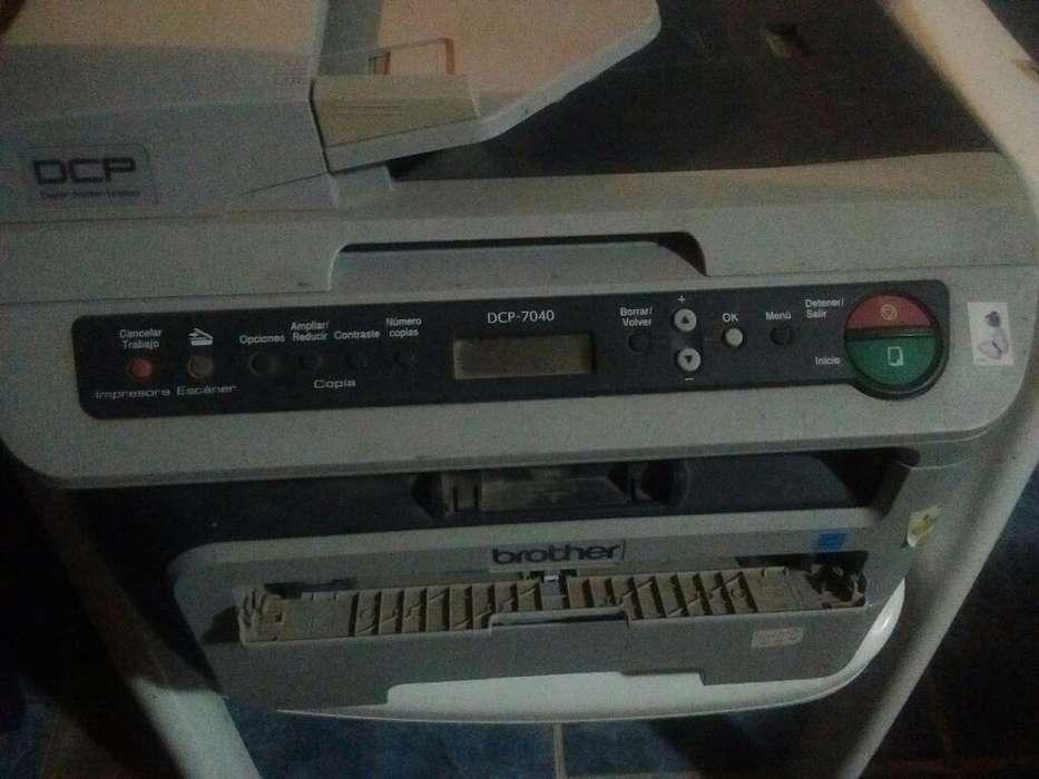 Impresora Brother A4 y Oficio Dcp 7040