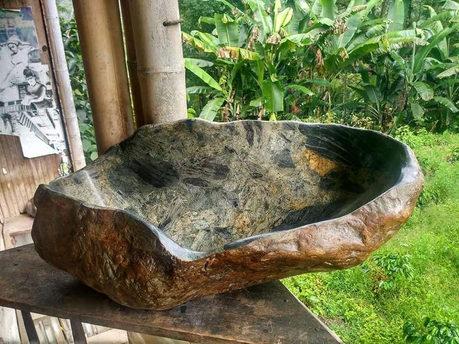Lavamanos en Piedra de Rio