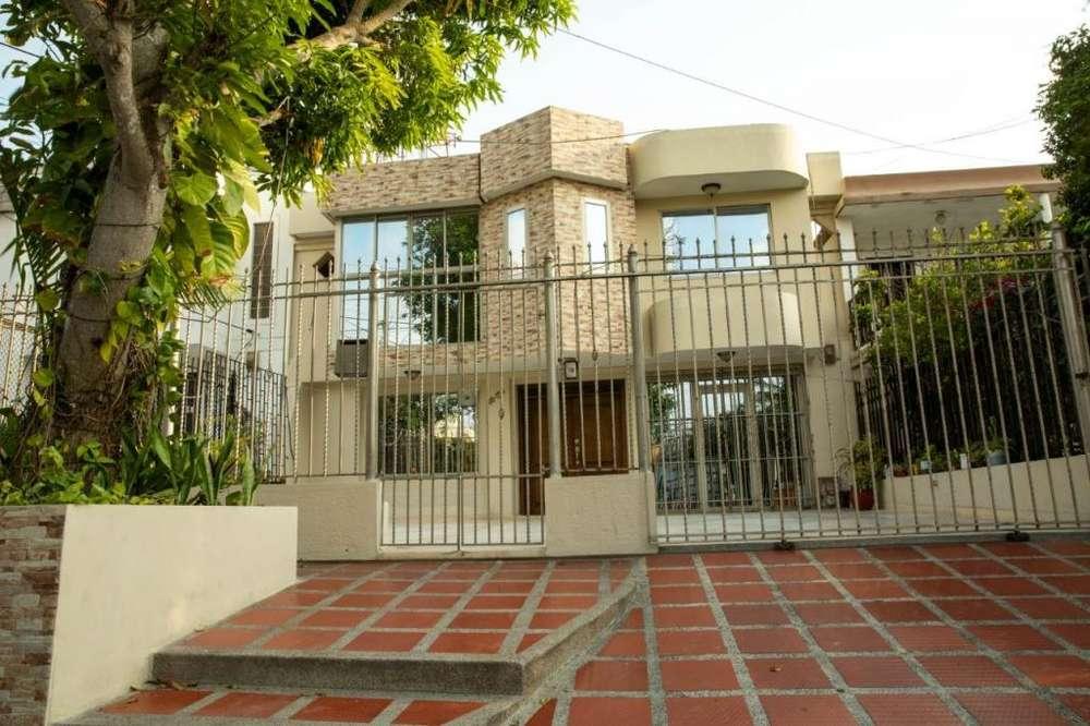 Vendo casa amplia y fresca barrio Nogales