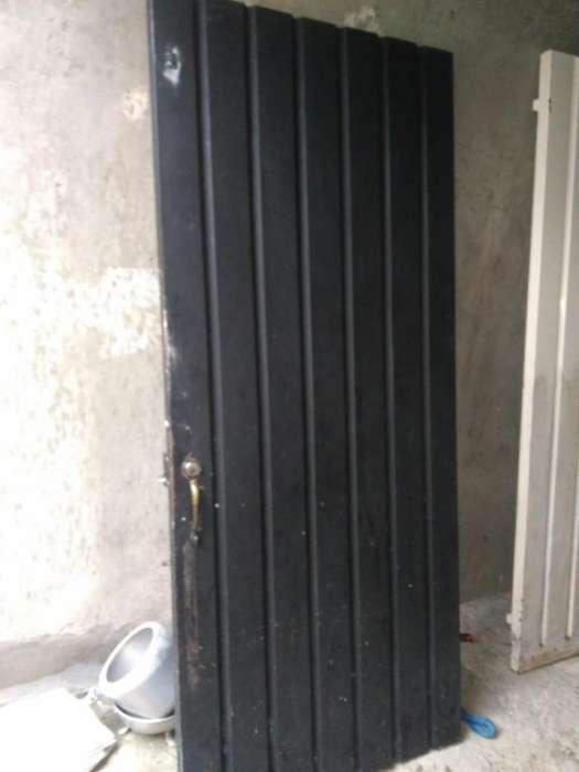 Se vende conjunto de <strong>puertas</strong> y ventanas