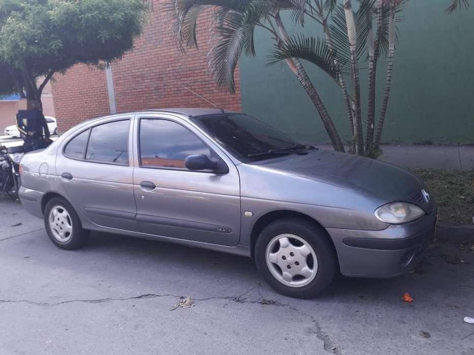 Renault Megane  2002 - 220000 km