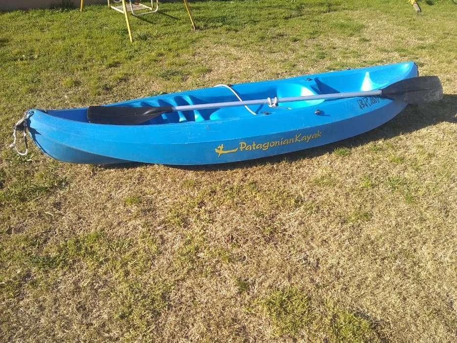 Kayak Patagonia Bravo con Remo