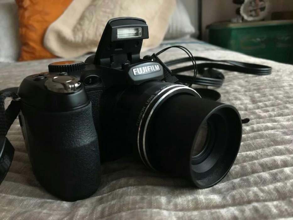 Camara Semiprofesional Fujifilm