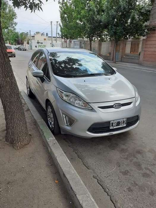 Ford Fiesta Kinetic 2012 - 105000 km
