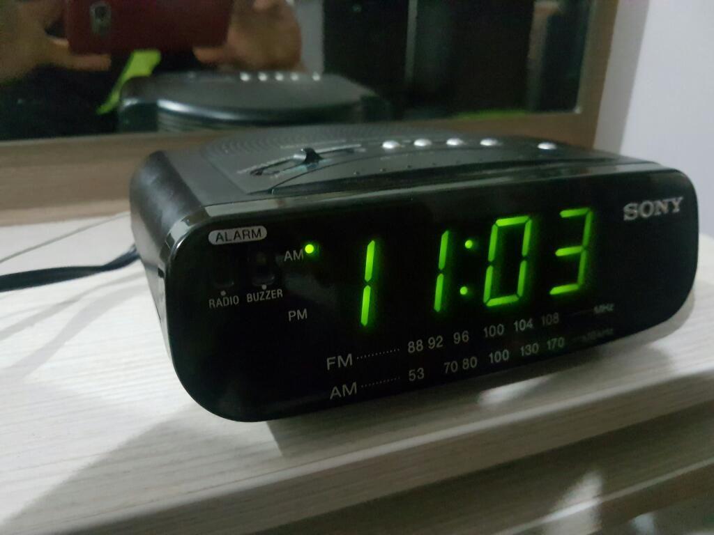 Venta Radio Reloj Sony