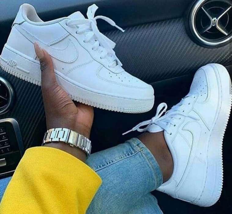 Nike For One en Cuero