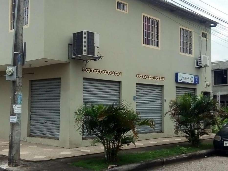 Alquilo local comercial ESPACIOSO en villa españa