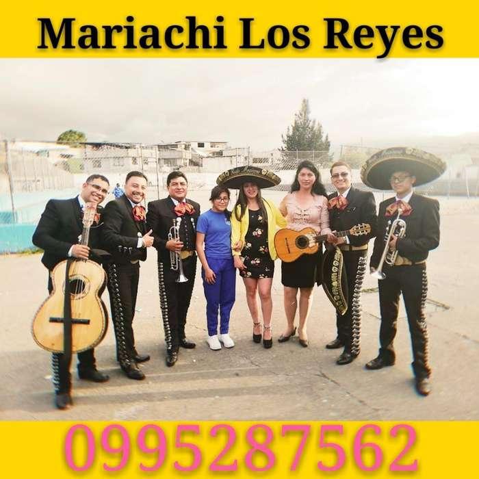 Mariachis en Santa Isabel