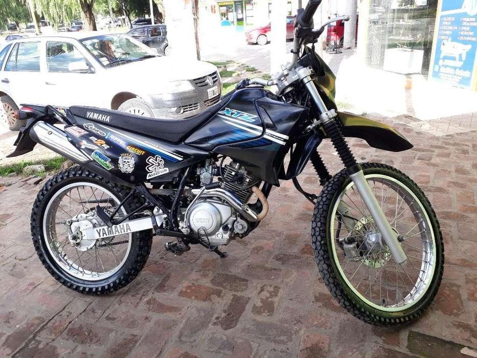 Vendo O Permuto <strong>yamaha</strong> Xtz 125