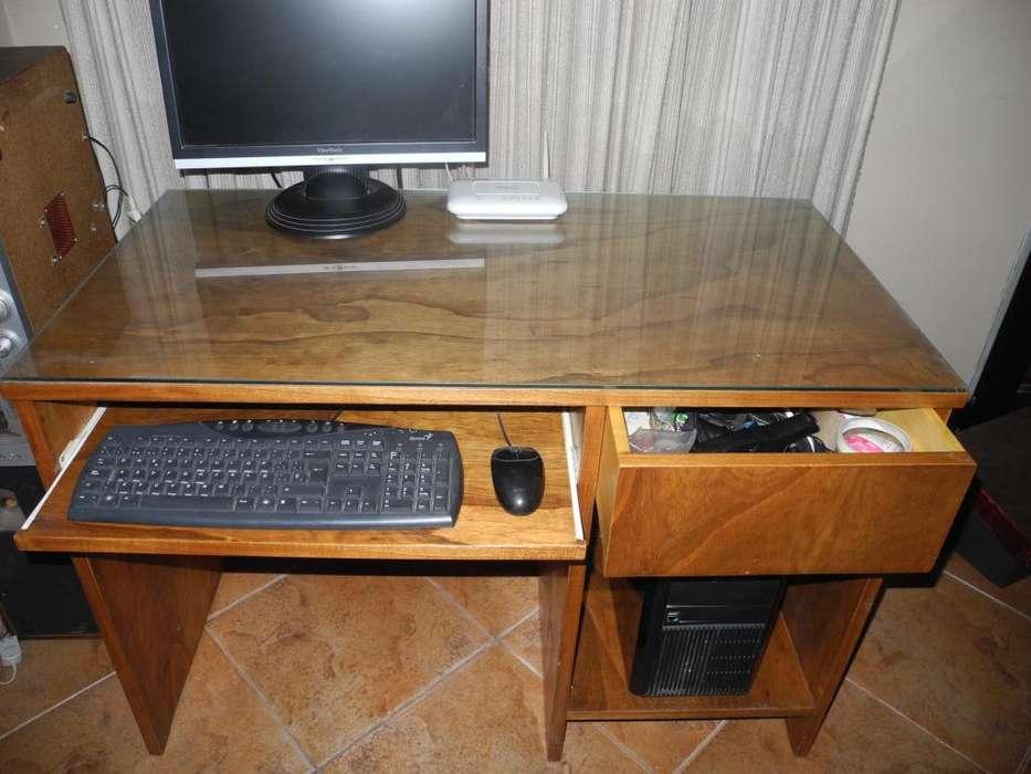 Escritorio Artesanal de madera, para Computadora