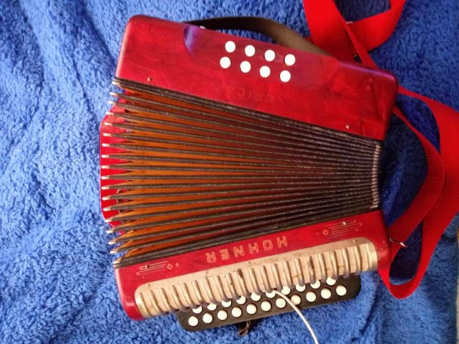 vendo cambio acordeon hohner diatonico por acordeon a teclas