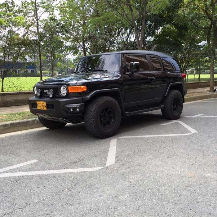 Toyota FJ Cruiser 2014 - 50000 km