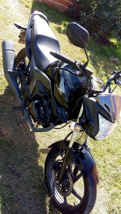Vendo Honda Invicta