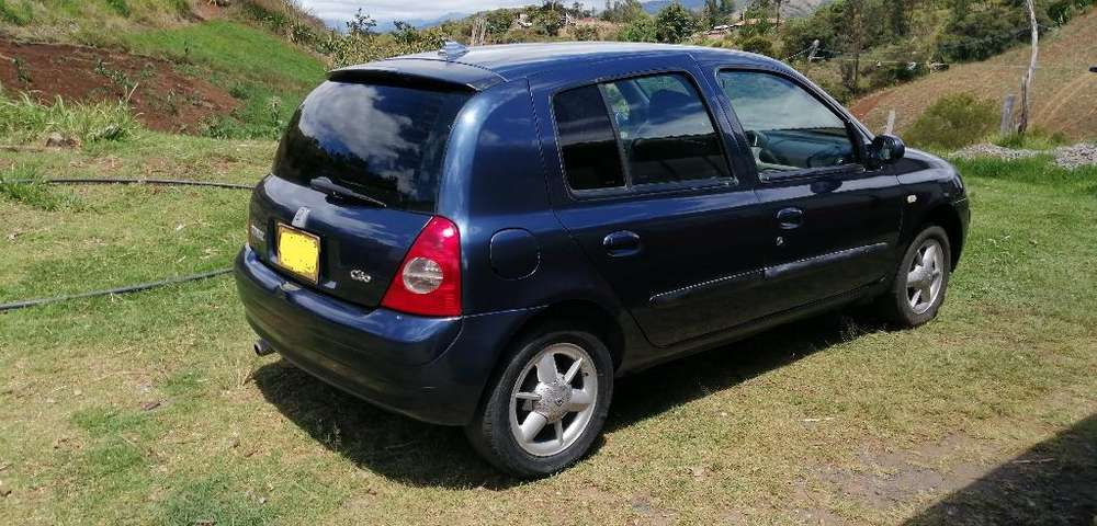 <strong>renault</strong> Clio  2005 - 243000 km